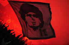Napoli e Roma si sfidano nel ricordo di Maradona